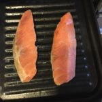 魚焼きグリルの網を洗うのが面倒な方にオススメの、専用トレー(プレート)。調理例も♩